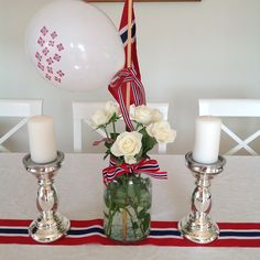 #17mai-bordet, av @romlemantisk Theme Parties, Party Themes, Constitution Day, Public Holidays, Norway, Table Decorations, Center Pieces