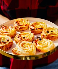 Olívás stangli | Street Kitchen Penne, Hot Dog, Bagel, Muffin, Street, Breakfast, Kitchen, Food, Morning Coffee