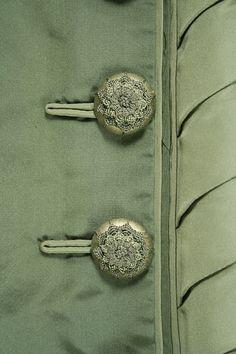 i like buttons. pretty.