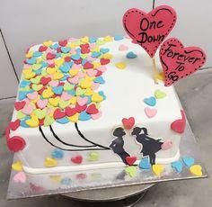 Cute 1st Anniversary Cake 1st Anniversary Cake, Anniversary Cake Designs, Aniversary Cakes, Wedding Aniversary, Anniversary Decorations, Anniversary Parties, Anniversary Surprise, Funny Cake, Gift Cake