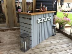 Bar Patio, Outdoor Garden Bar, Outdoor Pallet Bar, Diy Garden Bar, Outdoor Pallet Projects, Pallet Bar Plans, Wooden Pallet Bar, Diy Pallet Bar, Wooden Bar Top