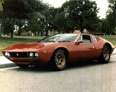 De Tomaso Mangusta -  Another Italian Carozzeria ... De Tomaso... styled some pretty brutish-looking automobiles... and they were fast for their time.