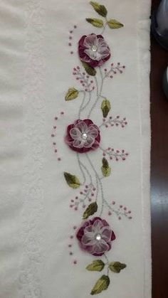 Wonderful Ribbon Embroidery Flowers by Hand Ideas. Enchanting Ribbon Embroidery Flowers by Hand Ideas. Types Of Embroidery, Learn Embroidery, Embroidery For Beginners, Embroidery Techniques, Embroidery Stitches, Embroidery Patterns, Ribbon Embroidery Tutorial, Silk Ribbon Embroidery, Hand Embroidery