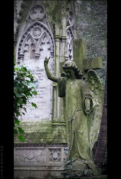 Angel Statue, HIGHGATE CEMETERY