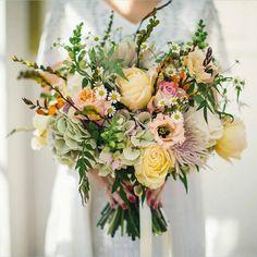 Floradelco Wedding Flowers Nottingham/Lifeline Photography http://eweddingssecrets.com/top-10-wedding-gifts-to-give-to-a-newlyweds.html