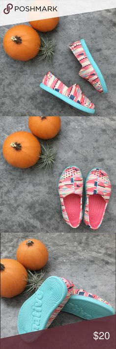 Kids Native Verona Print size C7 (toddler) Never worn kids rubber Native Verona Print size C7 (toddler) NATIVE YOUTH Shoes