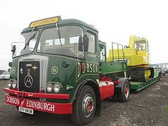 Transporter, Commercial Vehicle, Old Trucks, Rally, Transportation, Classic Cars, Bench, British, Vans