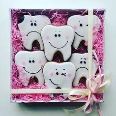Сладкий подарок для стоматолога)  #пермь #пермьактивная #пряник #пряники #пряник59 #пряникипермь #корпоративныеподарки #корпоративныепряники #фраупралине #fraupraline