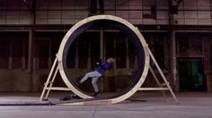 """Damien Walters running a full loop in slow motion: 