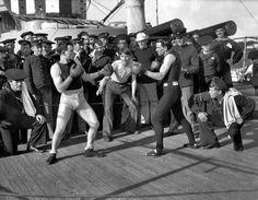 Combate de boxeo a bordo del U.S.S. Nueva York el 3 de julio de 1899