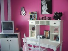 """Stephanie Has Gone Hollywood! (Picture Added), Hollywood themed bedroom.  My daughter is into singing and acting so what better theme than """"Hollywood"""".   , Girls Rooms Design"""