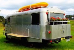 The Flying Tortoise  - New Zealander Keith Levy refurbished a 1977 Bedford bus into his own off-the-grid home.  (pinned by haw-creek.com)