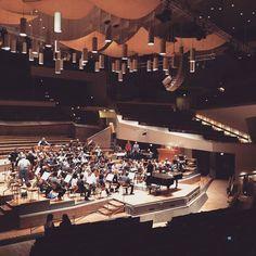 Antonio Pappano e l'Orchestra in prova per il concerto di stasera alla Philharmonie di Berlino  #santaceciliatour #accademiadisantacecilia #roma #rome #orchestra #chorus #classicalmusic #sinfonia #symphony #santacecilia #auditoriumparcodellamusica #salasantacecilia #choral #music #classica #musicaclassica #auditorium #italy #italia #igersitalia #igersrome #twitter #instamusic