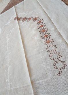 Cross Stitch Floss, Cross Stitch Borders, Cross Stitch Patterns, Kasuti Embroidery, Embroidery Patterns, Hand Embroidery, Crochet Symbols, Crochet Stitches, Farm Crafts