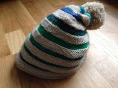 Dynamic Circle bobbles hat