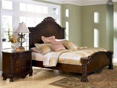 Old World Queen Bed in Dark Casual Finish