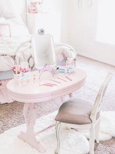 Romantic lifestyle Feminine Decor, Girl Cave, Pastel Room, Teenage Room, Princess Room, Girl House, White Bedding, Beauty Room, Pretty Pastel