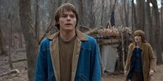 Jean jacket from jonathan byers (charles heaton) in strangers things Stranger Things Jonathan, Cast Stranger Things, Long Island, Jonathan Byers, Find A Match, Steve Harrington, Aesthetic Fashion, Jeans, Style Guides