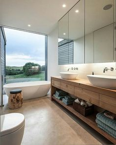 Turn to the vanity to introduce wooden element into the modern bathroom Amazing Modern Bathroom Design Ideas to Increase Home Values Timber Vanity, Wooden Vanity, Bad Inspiration, Bathroom Inspiration, Modern Bathroom Design, Bathroom Interior Design, Modern Bathrooms, Bathroom Designs, Dream Bathrooms