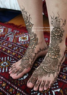 Henna Feet. I want to try this. Can't tattoo my hands, but I can tattoo my feet.