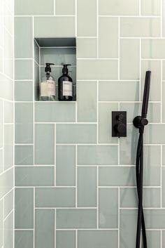 For the Home Vintage badkamer ontwerp dec. New Bathroom Designs, Modern Bathroom Decor, Bathroom Interior Design, Modern Interior, Bathroom Ideas, Bathroom Vintage, Bathroom Showers, Contemporary Bathrooms, Scandinavian Interior
