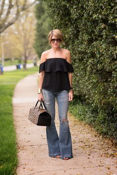 Seersucker and Saddles Shoulder Flare - Seersucker and Saddles Casual Wear, Casual Outfits, Summer Outfits, Cute Outfits, Fashion Outfits, Womens Fashion, Flare Jeans Outfit, Looks Jeans, Seersucker