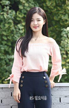 Kpop Fashion, Asian Fashion, Fashion Outfits, Cute Korean, Korean Girl, Kim Yoo Jung Fashion, Kim You Jung, Bolero, Instagram Outfits