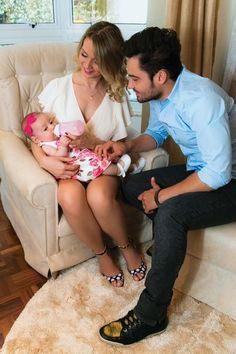 Fernando Zorzanello e Mikelly Medeiros apresentam a filha