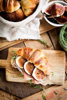 Croissant with pesto, arugula, prosciutto and fig.