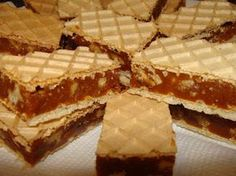 Prajitura cu foi de napolitane si crema caramel Romanian Desserts, Romanian Food, No Cook Desserts, Mini Desserts, Recipe Using Caramels, Cake Recipes, Dessert Recipes, Croatian Recipes, Caramel Recipes