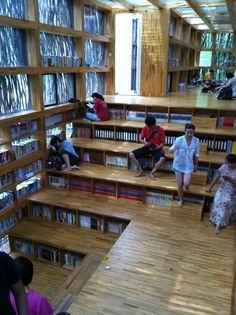 Interior da Biblioteca Liyuan