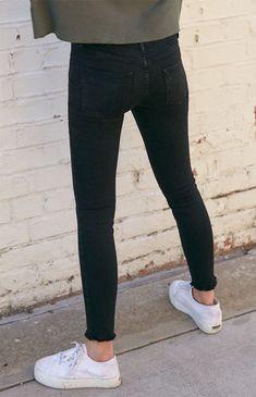 black skinny jeans women high waist Click above VISIT link for Black Skinny Jeans Women, Tight Jeans Men, Superenge Jeans, Skinny Guys, Boys Jeans, Super Skinny Jeans, Young Boys Fashion, Mode Man, Models