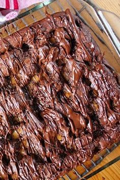 Don't let the name scare you. Blackberry Dump Cakes, Apple Dump Cakes, Dump Cake Recipes, Dessert Recipes, Frosting Recipes, Easy Desserts, Delicious Desserts, Homemade Desserts, Dump Meals