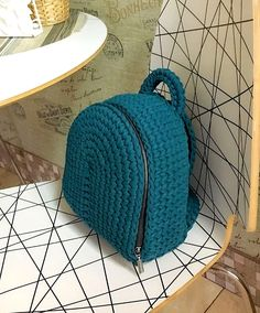 Marvelous Crochet A Shell Stitch Purse Bag Ideas. Wonderful Crochet A Shell Stitch Purse Bag Ideas. Crochet Handbags, Crochet Purses, Crochet Bags, Free Crochet, Knit Crochet, Crochet Crafts, Crochet Projects, Diy Crafts, Frame Crafts
