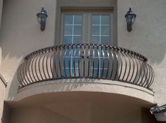 My preferred balcony Wrought Iron Porch Railings, Metal Deck Railing, Wrought Iron Fences, Staircase Railings, Balcony Grill Design, Balcony Railing Design, Fence Design, French Balcony, Iron Balcony