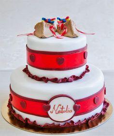 Pentru cei care aleg portul traditional romanesc, atunci acest tort decorat cu opinci populare este cu siguranta cea mai potrivita alegere.  Culorile si detaliile pot fi personalizate dupa bunul plac, astfel ca te asteptam sa degusti compozitia si sa iti realizam un tort de exceptie. Pret: 287 ron. Cake Designs, Designer Cakes, Baby Shower, Mai, Unique, Shower Ideas, Desserts, Food, Cake Templates