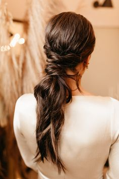 Bridal hairstyle inspiration. Photo: @wearethebowsers Boho Bridal Hair, Bridal Braids, Bridal Hair And Makeup, Hair Makeup, Tied Up Hairstyles, Wedding Hairstyles, Bridal Hairstyle, Pantone Colour Palettes, Pantone Color