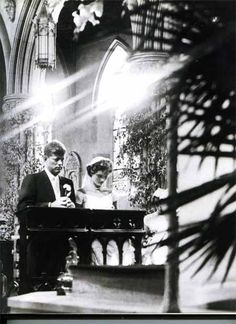 ♥ John F. Kennedy marries Jacqueline Bouvier ♥ On the morning of September 12, 1953, more than 750 guests filled St. Mary's Church in newport, Rhode Island to watch as John Kennedy and Jacqueline Bouvier exchanged wedding vows in a ceremony presided over by Archbishop Richard Cushing, a friend of the Kennedy Family, and he was assisted by four other priests, including the former president of Notre Dame and the head of the Christopher Society.