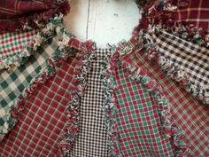 New christmas tree skirt pattern sewing fabrics Ideas Different Christmas Trees, Diy Christmas Tree Skirt, Christmas Tree Skirts Patterns, Cabin Christmas, Christmas Tree Pattern, Tree Patterns, Xmas Tree, Christmas Crafts, Christmas Ideas