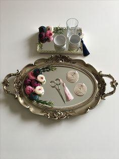Engagement Ring Platter, Engagement Rings, Graduation Open Houses, Diy Crafts For Gifts, Diy Flowers, Interior Design Living Room, Diy Home Decor, Bracelet Watch, Wedding Decorations