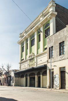 Teatro Novedades ,calles Cueto con Portales . Santiago