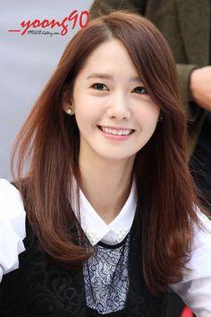 SNSD YoonA - she's probably the most beautiful kpop artist for me. She looks… Korean Beauty, Asian Beauty, Snsd Fashion, Medium Hair Styles, Long Hair Styles, Yoona Snsd, Hair Day, Girls Generation, K Idols