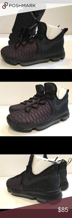 Nike Zoom KD9 GS Youth Size 7Y Triple Black Nike Zoom KD9 GS Youth Size 7Y