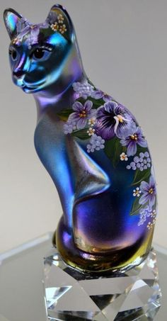 Fenton Art Glass Cat Figurine