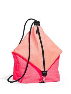 Victoria's Secret Rucksack Beuteltasche Backbag Tasche Sporttasche NEU!!! in Kleidung & Accessoires, Damentaschen   eBay