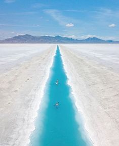 Blue River in Utah, How Amazing Is This?? 😍😍💙💙 Photo by: @giveusthisdane [IG] Oh The Places You'll Go, Places To Travel, Travel Destinations, Places To Visit, Travel Trip, Travel Stuff, Usa Travel, Salt Flats Utah, Road Trip