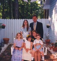 Amy Lee with parents John & Sara & siblings Carrie, Lori, & Robby