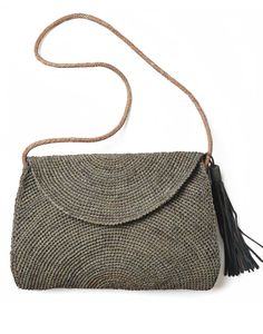 Beautiful Bags at Luxury at Choose from Raffia beach bags, beach totes & clutch bags, Wayuu Mochila bags or Italian leather bags at fantastic prices. Handmade Purses, Summer Bags, Couture, Beautiful Bags, Cross Body Handbags, Canvas Tote Bags, Leather Bag, Hand Weaving, Handbags