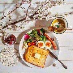 【youchanjj】さんのInstagramをピンしています。 《♡ * ※Good morning※ * 日曜日の朝のモーニングtime☕ * ゆっくりした朝♡ トーストプレートでおはようございます☀ * 蕾で買った啓翁桜がやっと綺麗に咲きました🌸 * 皆さま素敵な休日を♡ * #おうちごはん #おうちカフェ #朝食 #モーニング #モーニングプレート #morningplate #ouchigohan #onthetable #onmytable #instafood #foodpic #foodfoto #food #foodstagram #japanesefood #foodstyle #foodstyling  #LIN_stagrammar #デリスタグラマー #delistagrammar #クッキングラム  #パン #朝ごぱん #トースト #toast #pan》