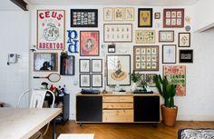 01-decoracao-casa-alugada-parede-tijolinho-quadros-cacto